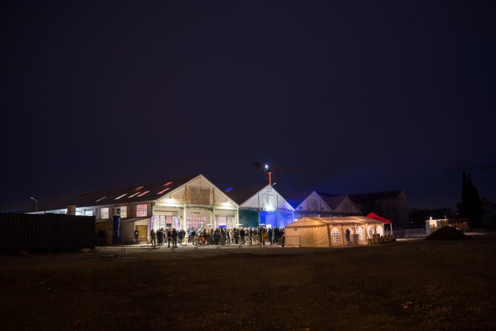 Photo Halle Tropisme extérieur nuit